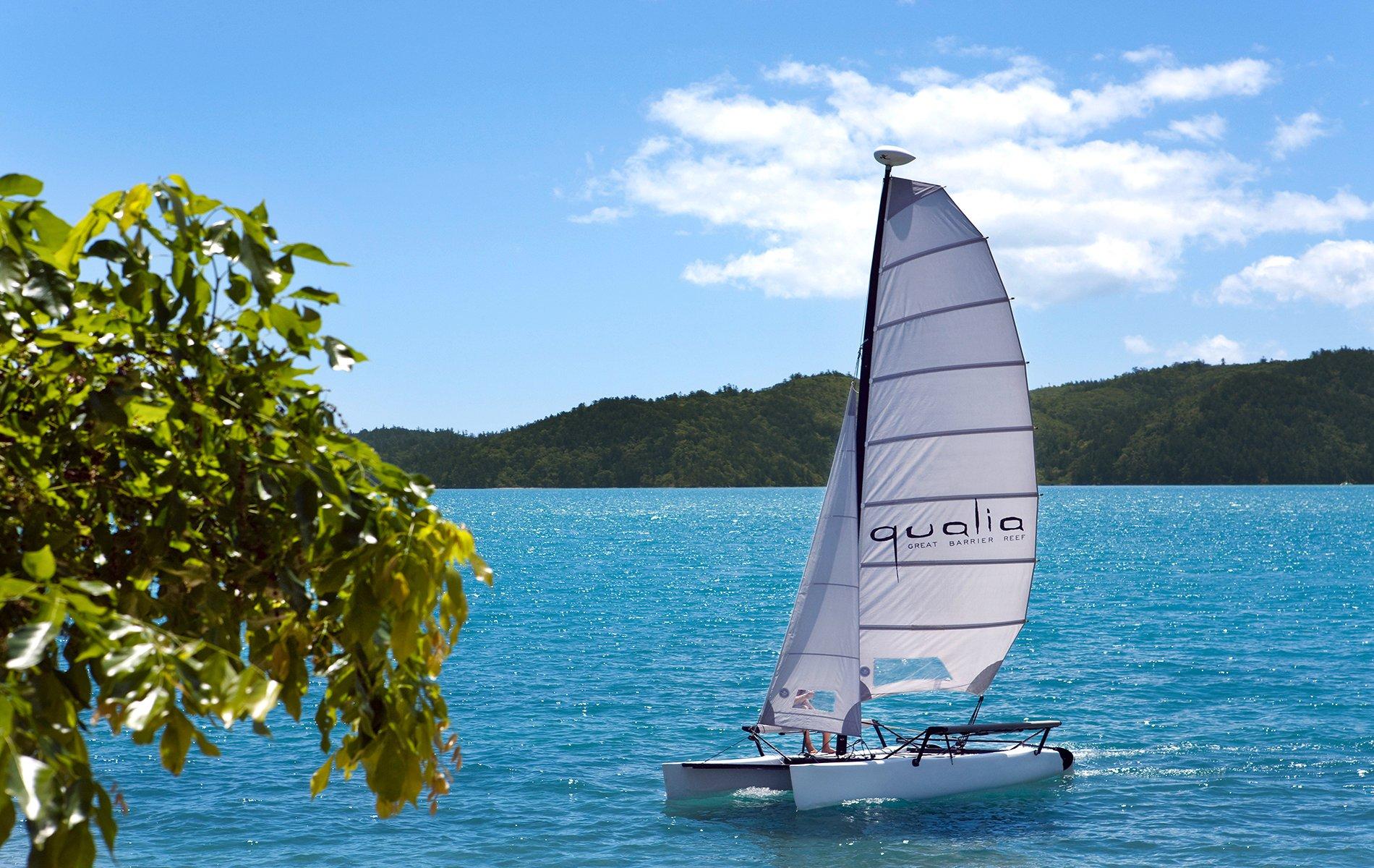 Beach-Sports-Qualia_Catamaran